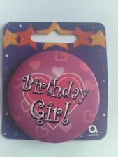 HAPPY BIRTHDAY BIRTHDAY GIRL LOVE HEARTS BADGE ROUND PINK GIRL PIN CLIP ON CARD