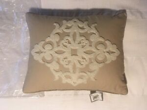 "WATERFORD LINENS ""HARRISON"" NATURAL 20"" x 16"" DECORATIVE PILLOW [NEW]"