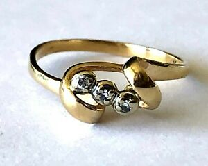 14K Yellow Gold 3 Natural Diamond Ladies Classy Cocktail Band Ring Size 7.75