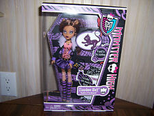 NEW Monster High CLAWDEEN WOLF Doll  With Pet Cat Crescent Diary Stand Basic