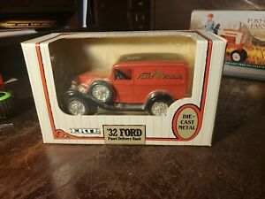 ERTL '32 Ford Panel Delivery Bank Die-Cast Fleet Farm 2nd Limited Edition 1:25