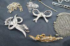 Lot de 11 BIJOUX anciens et vintage Métal chaines,broches,épingle,aumonière