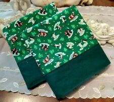 COUNTRY COTTAGE KIDS SET OF 2 CHRISTMAS HOLIDAY ICEBERG PENQUINS PILLOWCASES
