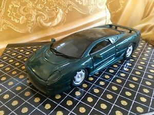 Scalextric Jaguar XJ220 1992 Scale 1/24 Maisto Green Diecast Car Model Toy