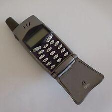 Téléphone mobile clapet ERICSSON T29S avec chargeur vintage design XX Suède N720