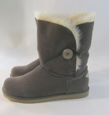 NEW GRAY Winter comfortable flat ankle boot fur inside/ button    size   9  P