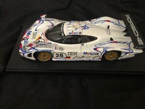 Maisto Porsche 911 GT1 #26 Winner 1998 Lemans with display case