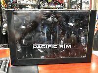 """SDCC 2014 Exclusive Neca Pacific Rim End Credits Jaeger 3 Figure Box Set 7"""" NIB"""