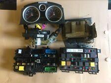 Vauxhall Astra MK5 & Zafira B 1.9 CDTi Motor ECU Kit parte Num - 0281012122 al