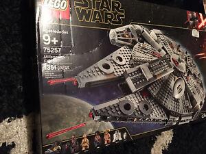 MILLENNIUM FALCON LEGO 75257 NEW FACTORY SEALED LEGO STAR WARS Damaged Box.