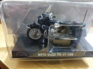modellino Moto Guzzi Falcone 750 V 7 1/24 carabinieri