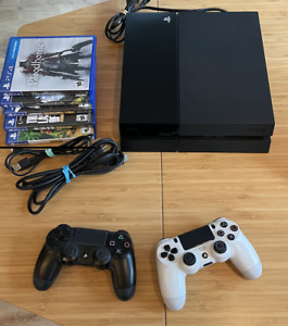 Sony PlayStation 4 CUH-1001A 500GB Gaming Console - Black + Controllers & Games