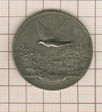 jolie médaille en argent ?? ou bronze argenté, colombophilie , au pigeon volant