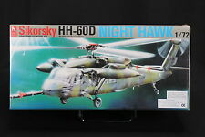 XF083 HOBBY CRAFT1/72 maquette helico HC2201 Air Force Sikorsky HH-60D night