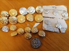 A COLLECTION OF 24 UNITED STATES OF AMERICA ARMY BUTTON