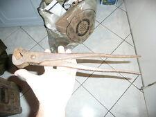 Ancien Outil de Ferronnier Mecanicien   grande Tenaille  35 cm de long