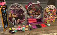 Ever After High Raven Queen Doll Left /& Right Hands Replacement Lot