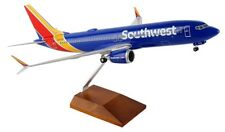 Skymarks Supreme Southwest Boeing 737 Max Wifi Dome Desk 1-100 Model Airplane