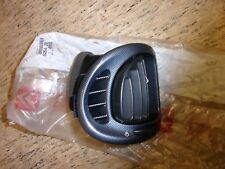 CITROEN XSARA PICASSO N68 O/S CONSOLE AIR VENT GENUINE NEW CITROEN 8264Z6