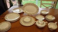 Vintage Cannonsburg Pottery Goldette Dinnerware Set Circa 1945 ser 6 29 pieces