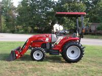 VERY NICE  MASSEY FERGUSON  1734E  4 x 4   LOADER TRACTOR  ONLY 338 HOURS