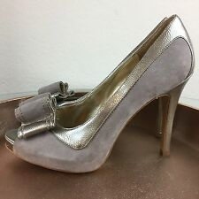 Nine West Formal Silver Grey Size 9 Suede and Leather Feel Stiletto Heels Pumps
