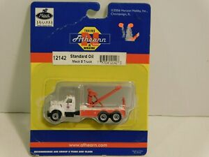 Athearn N Scale Mack B Tow Truck Standard Oil 12142