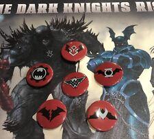 DARK NIGHTS METAL BUTTONS FULL SET ALL SIX NIGHTMARE BATMANS PROMO PINS 2017