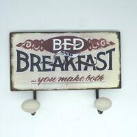 Bed and Breakfast Blechschild Garderobe Metall mit Porzellanknöpfen ca.23 x 16cm