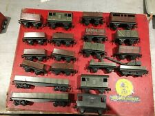 TRIX TWIN WAGON LOT x 20 INCLUDES LIGHTED BRAKE,  00 GAUGE FOR 3 RAIL TRACK.