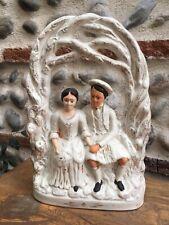 Tres Belle Sculpture en Porcelaine ANGLAISE du STAFFORDSHIRE Ecosse Mariage Kilt