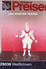 HO scale Preiser 29038 :  CLOWN Figure in White Costume for Circus Dioramas