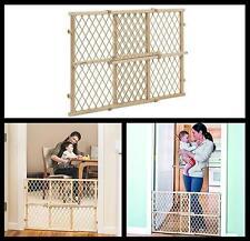 Adjustable Indoor Solid Construction Configurable Folding Lock Wood Pet Fence