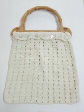 Borsa di punto colore bianco, pezzo artigianale, con maniglie in forma di bambù