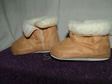 warm baby crib shoes/ pre walkers fur lined 6-12months gift boxed