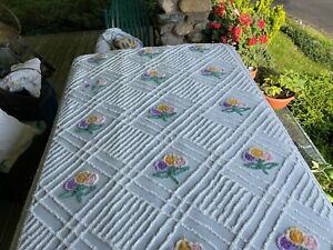 white / BUNCHS FLOWERS VINT CHENILLE BEDSPREAD laundered CUTTER as is HEALTHY