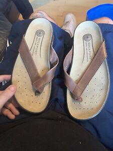 Size 7 Rockport Flip Flops
