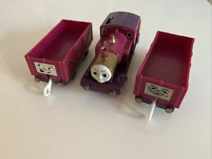 tomy trackmaster thomas the tank engine battery train lady with matching trucks.