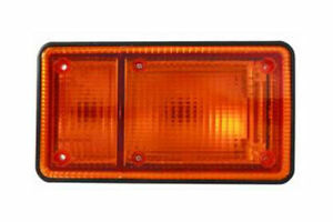 fit 89-94 UD Truck 1800 2000 2300 2600 Side Marker Light LH