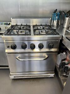 Commercial Nat Gas Cooker Oven 4 Burner - RANGE WITH OVEN used Once