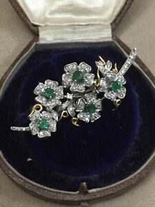 Absolutely Stunning 18ct Gold Diamond & Emerald Ladies Brooch 13.1g