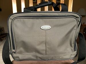 Eddie Bauer Green Shoulder Travel Overnight Carry On Duffle Bag