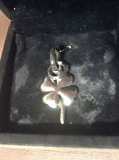 Vintage Silver Links of Lodon Pendant in the Fom of a Petal or Clover,with box