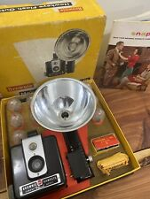 VINTAGE KODAK BROWNIE HAWKEYE OUTFIT CAMERA w/ 8 FLASH bulbs