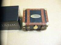 Titanic  Trading Card Set In Steamer Trunk Leonardo DiCaprio Kate Winslet Nice
