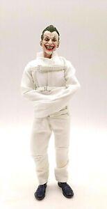 SU-STRJ-JK: 1/12 White Asylum Straitjacket for Mezco One:12 Joker (No figure)