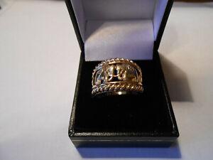 stunning elephant ring with diamonds size p