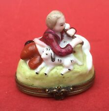 ANTIQUE PARIS PORCELAIN SNUFF BOX or BONBONNIERE circa 1900