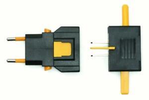 Universal Travel Adapter By Kikkerland UL03-A New