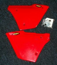 HONDA ATC250ES BIG RED 250 ATC 250ES LEFT & RIGHT REAR FENDER SIDE PANELS, RED